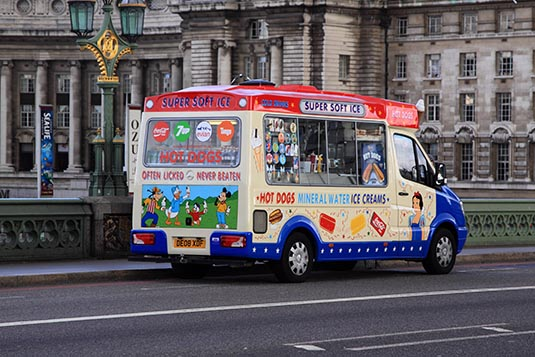 icecream-truck-westminster-bridge-london-uk